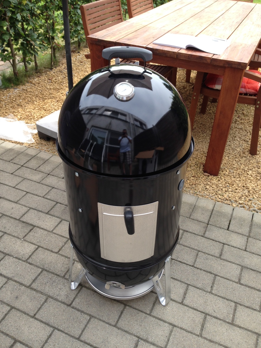Weber Smokey Mountain smoker bbq