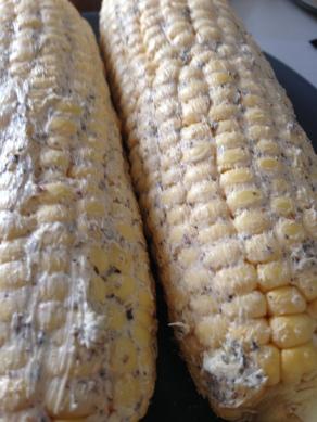 Leg de boter goed dik op de mais