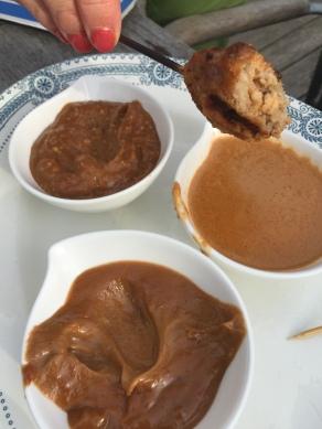 oosterse saus kiezen voor bij de garnaallolly's op de bbq