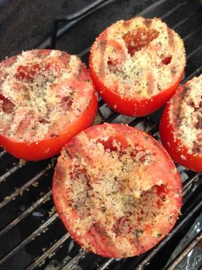 Gegrilde tomaten, grill daarna de bolle zijde voor zo'n 3-5 minuten